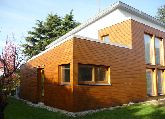 Extension bois fabien perret architecte lyon for Extension maison 30000 euros