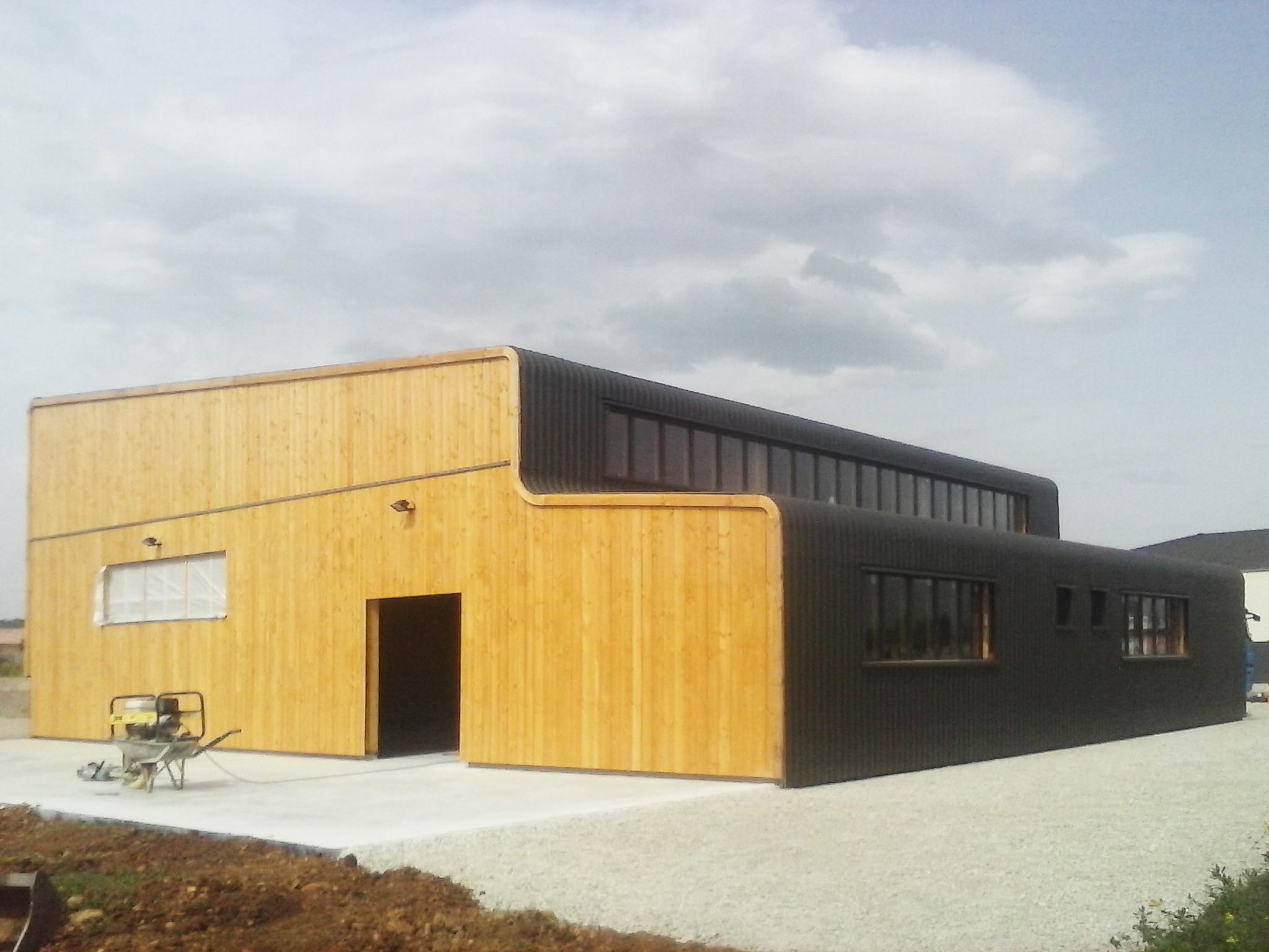 architecture-bardage-bois-bac-acier