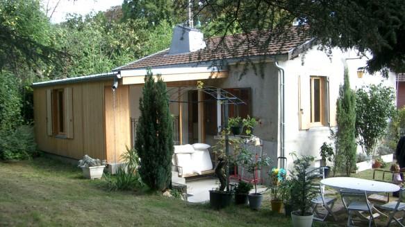 Finition brute fabien perret architecte lyon for Petite extension bois