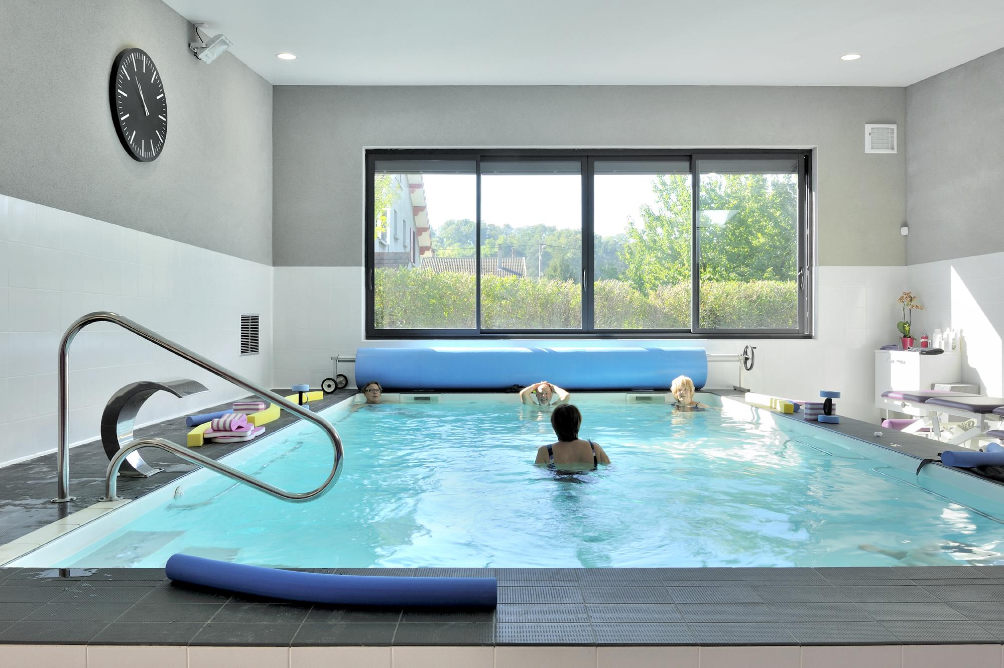 D co piscine contemporaine lyon 33 marseille piscine for Piscine 5575