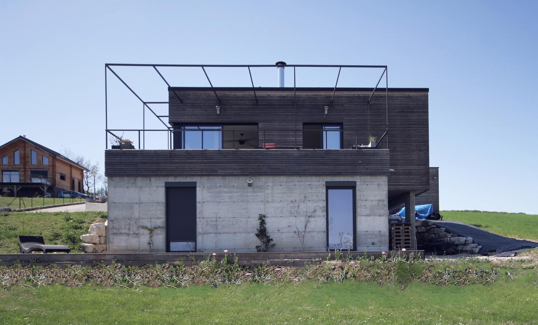 maison-bois-beton-pente-2