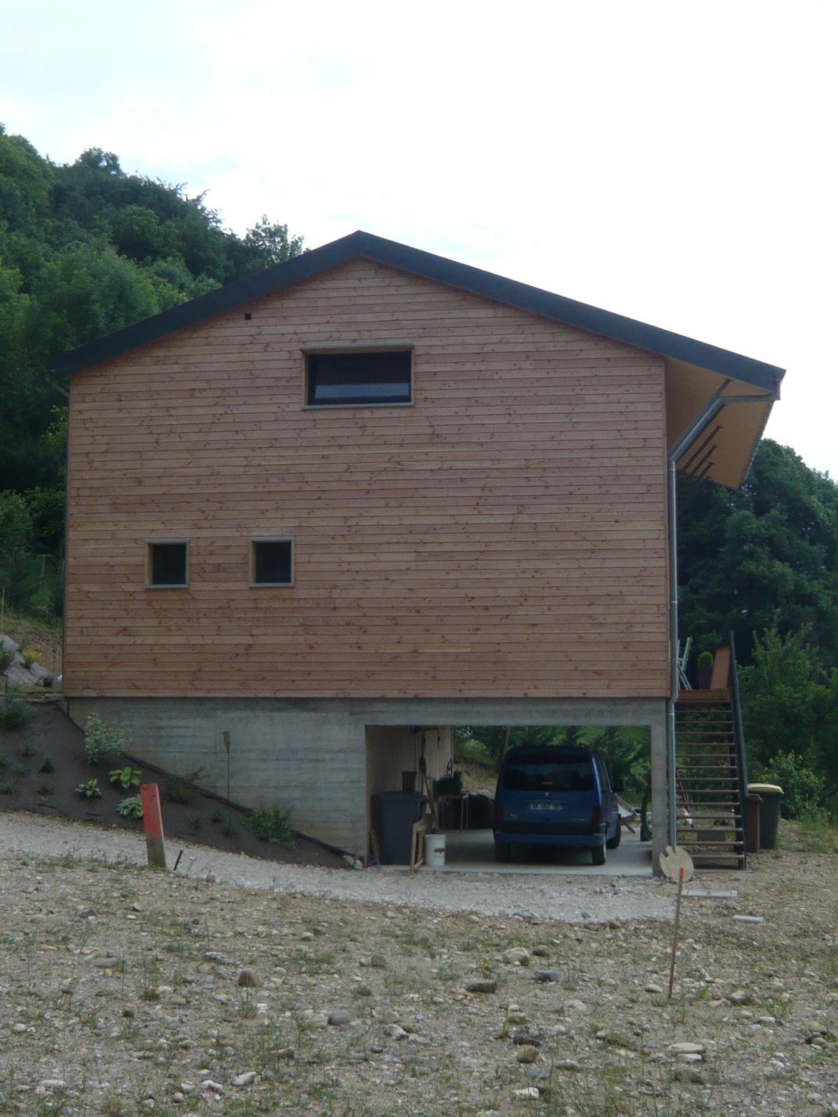 maison-bois-dans-pente