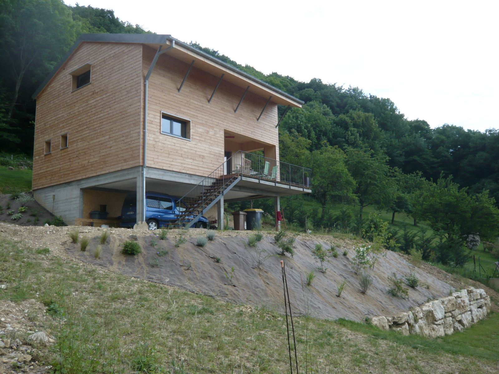 maison-carre-bois