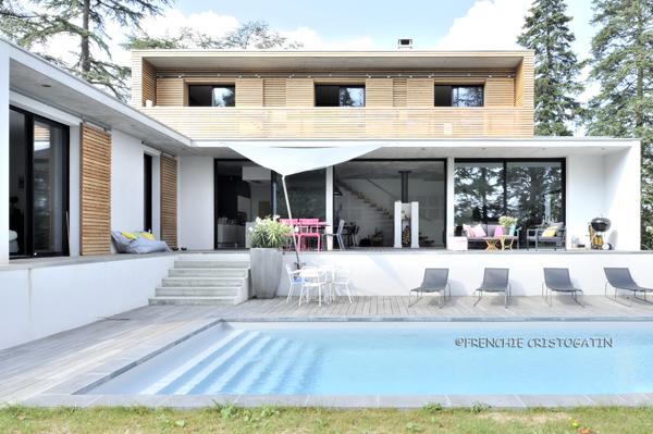 Maison contemporaine en b ton charbonni res fabien for Villa ossature bois