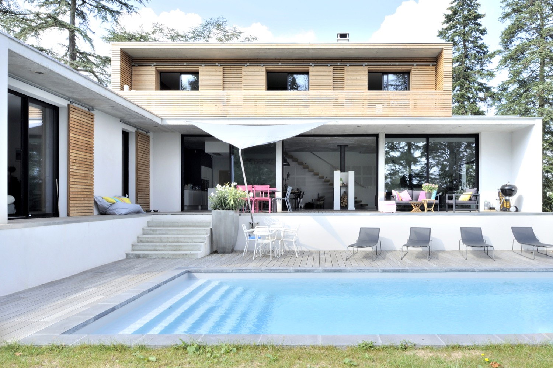 Maison contemporaine en béton à Charbonnières | Fabien Perret ...